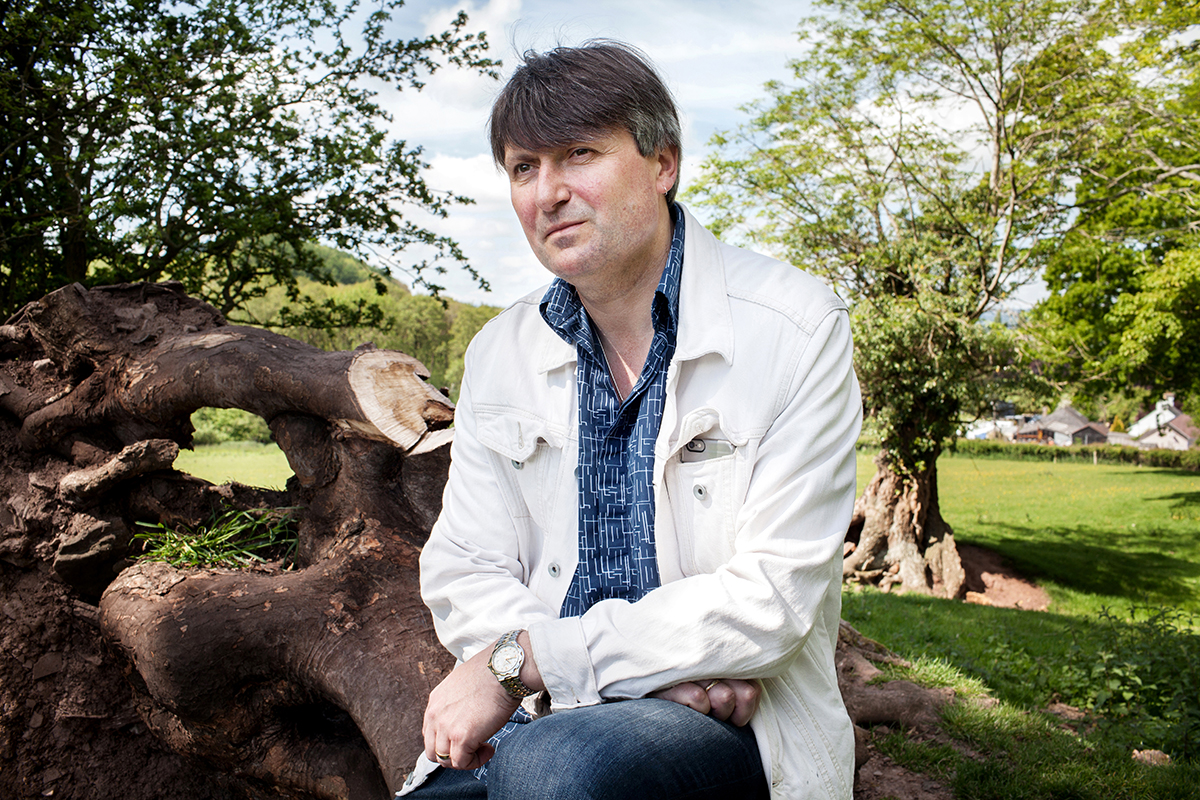 simon armitage about his person The best poems by simon armitage since his debut collection, zoom, appeared in 1989 when he was still in his mid-twenties, simon armitage has become one of the most feted, read, and studied contemporary english poets his work combines wry colloquialism and humour with frequent poignancy, treating such perennial subjects as.